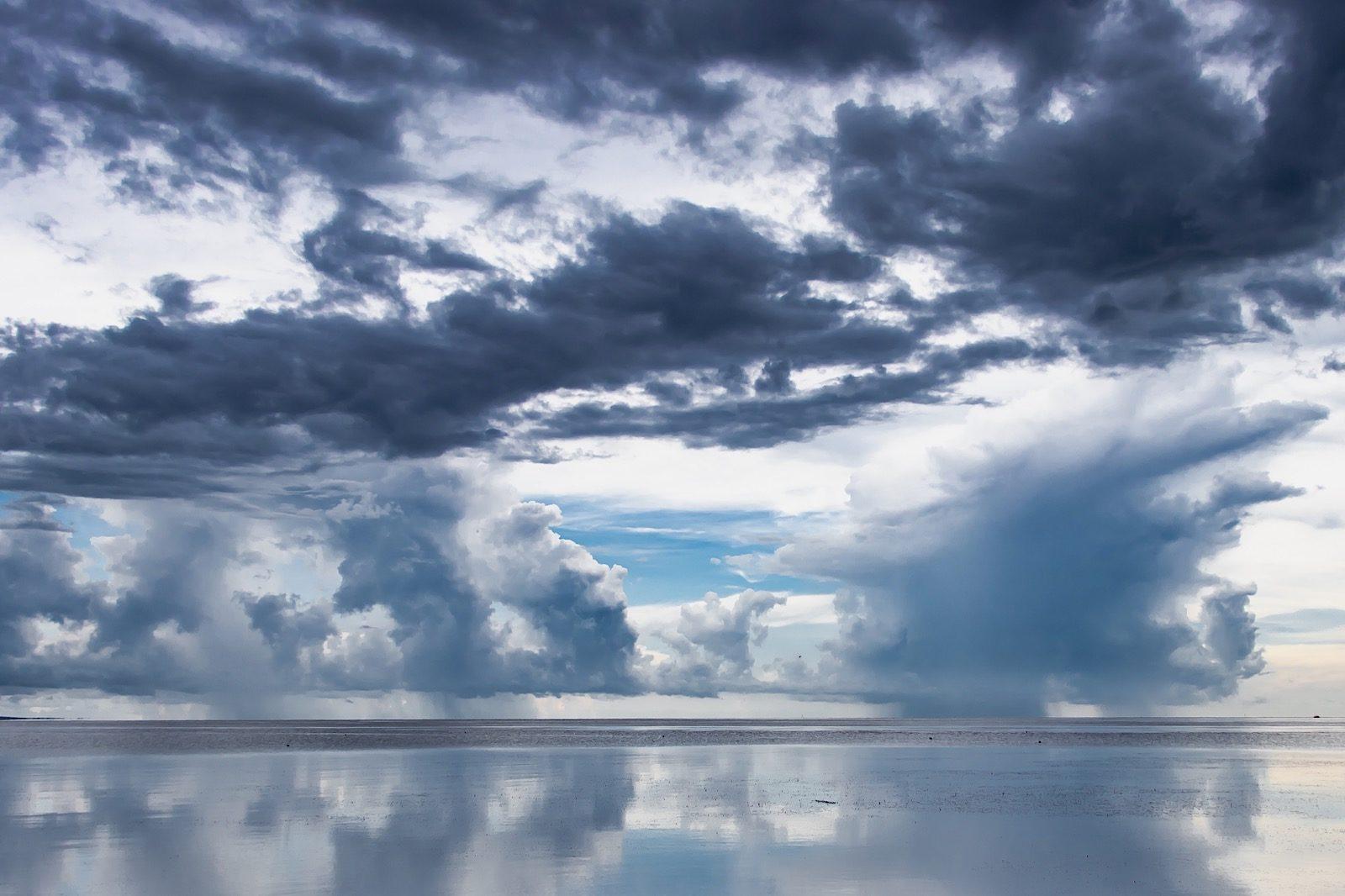 Rain in Mobile Bay