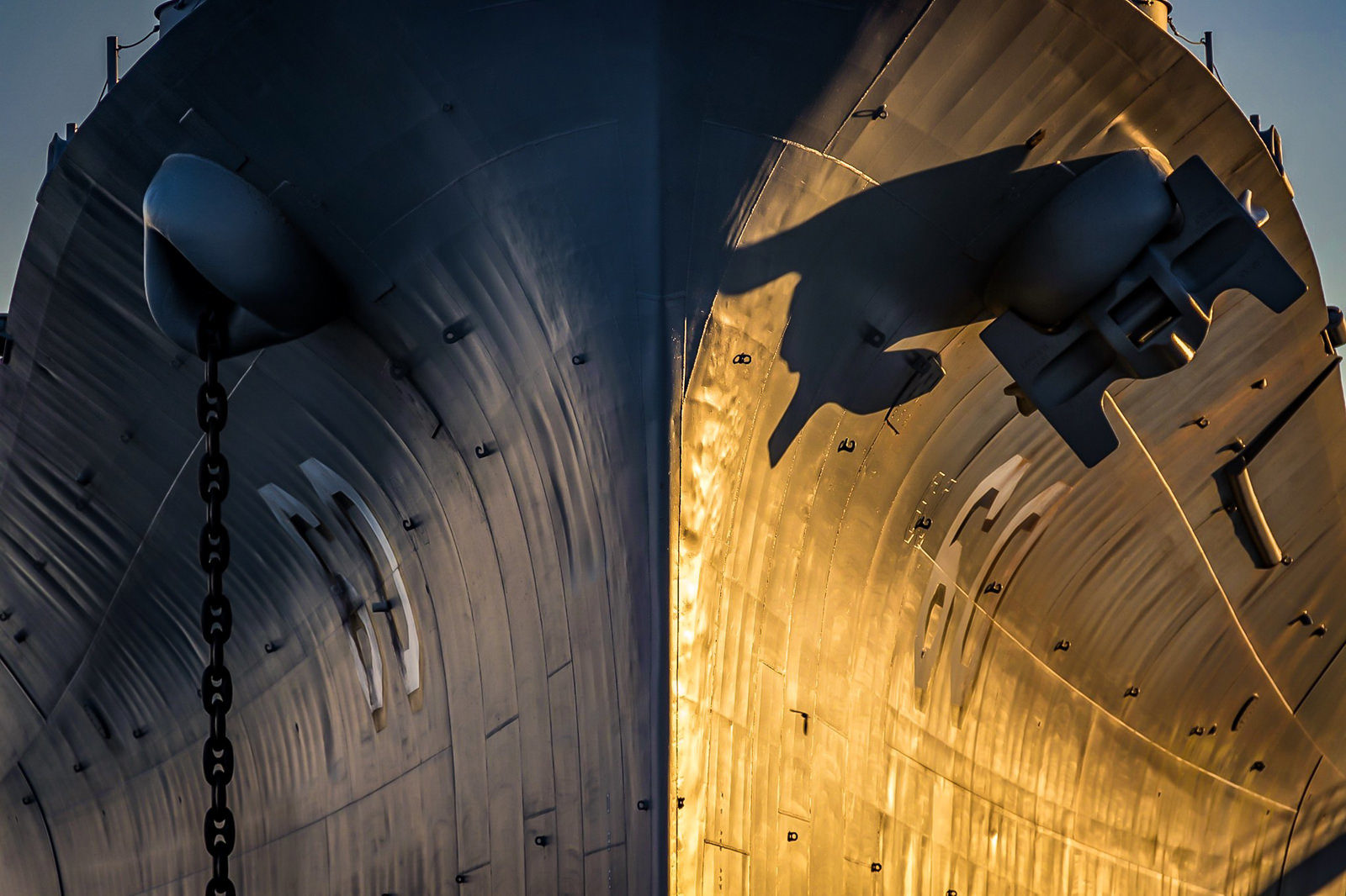 USS Alabama head on view