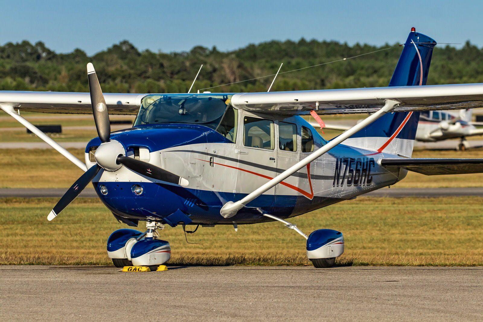 Cessna 206 at JKA